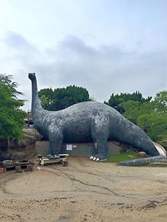 太陽の丘公園の恐竜.jpg